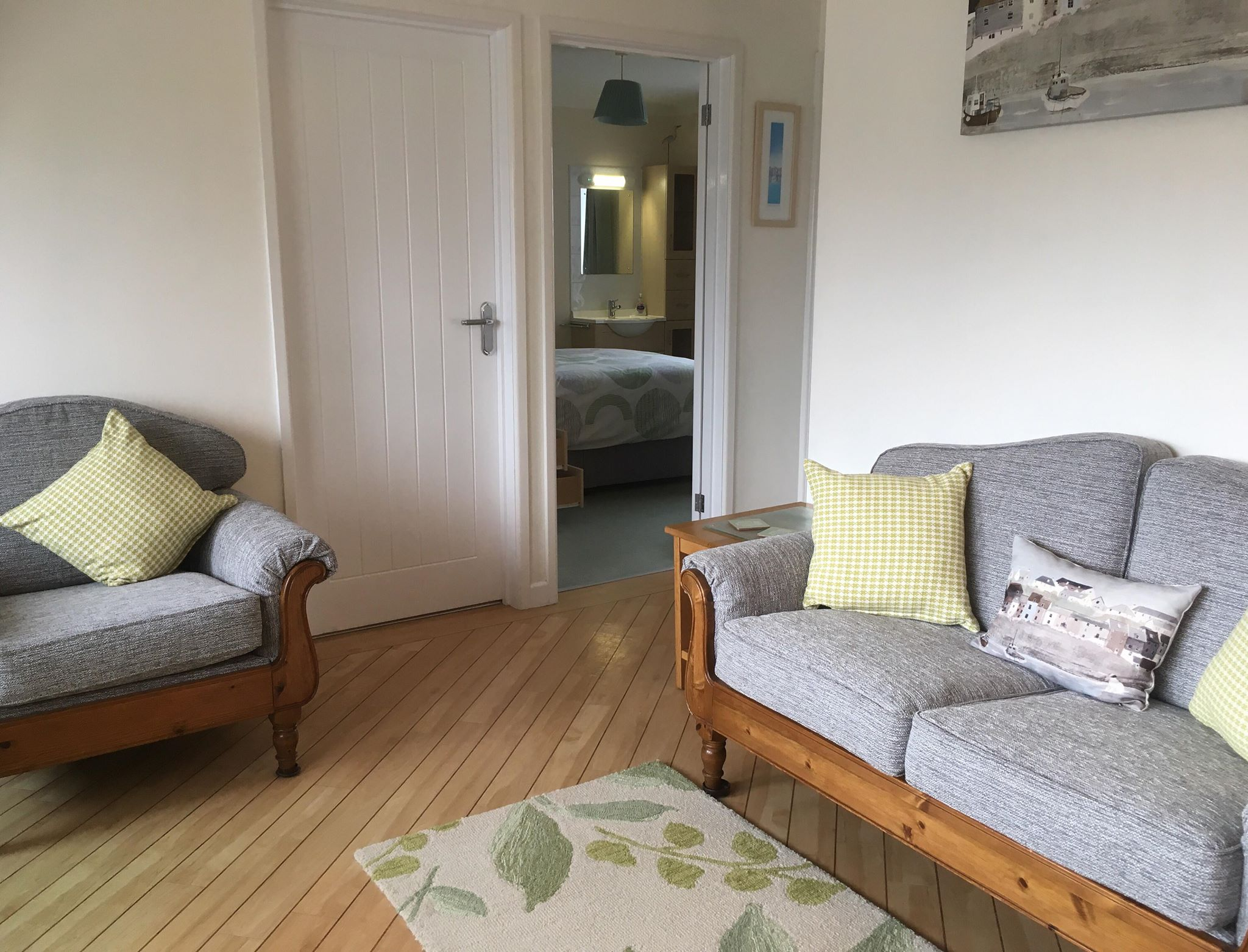 PAMPAS LOUNGE THROUGH DOUBLE BEDROOM
